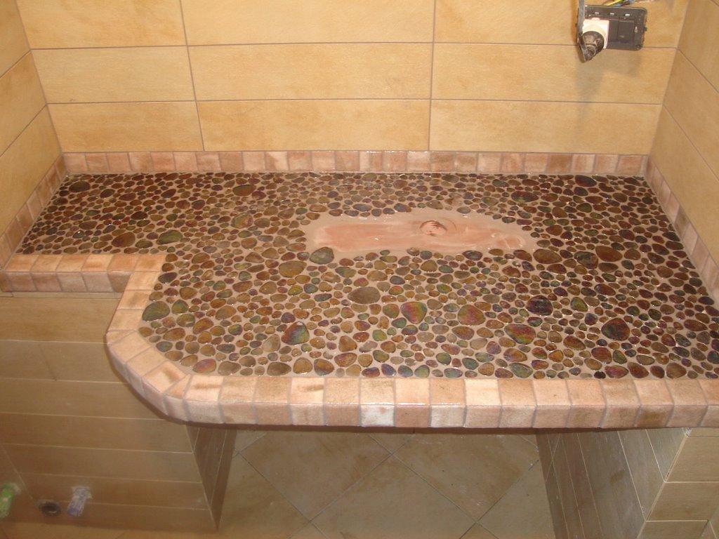 Fiorone luigi book foto lavori di posa ceramiche pietre mosaici 1 piano bagno in mosaico - Posa mosaico bagno ...