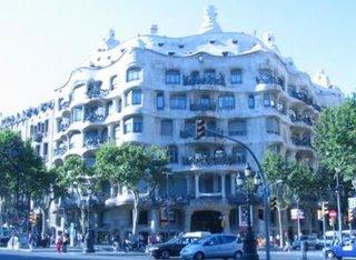 L a Pedrera Gaudi Barcelona