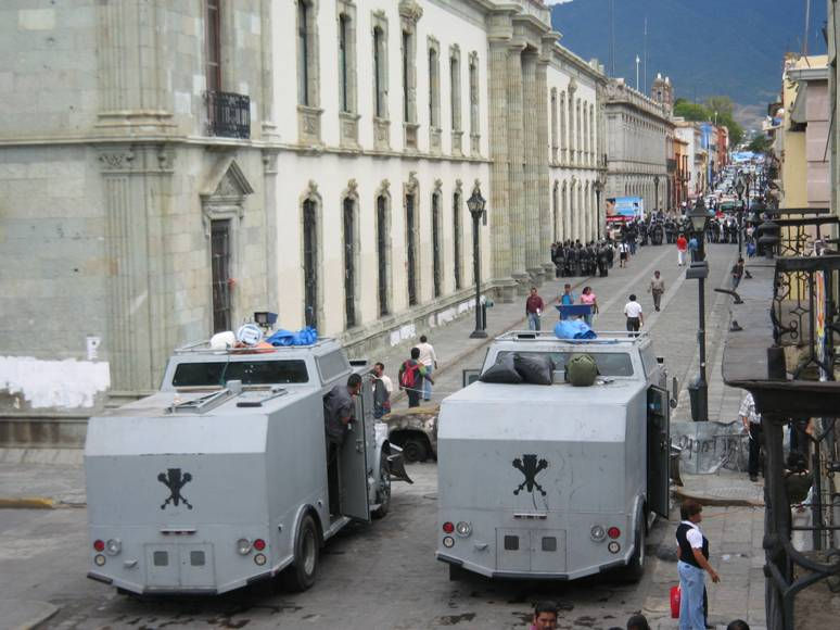 Guerrero - Vehiculos militares llegan a Guerrero para garantizar la eleccion - vehiculos sin matricula? TanquetasPFP