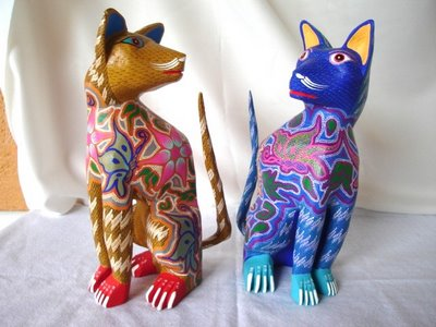 mark in Mexico, http://markinmexico.blogspot.com/, Pale Horse Galleries online store for gifts, collectibles, Mexican arts and crafts, http://palehorsemex.vstore.ca/ Dos Gatos Sentándose (Two Cats Sitting) by Felipe and Lucila Zarate of Arrazola, Oaxaca, Mexico.