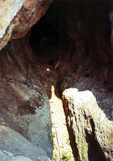 Antiguos santuarios, leyendas y entorno. 296311633_a218f7e24b_o