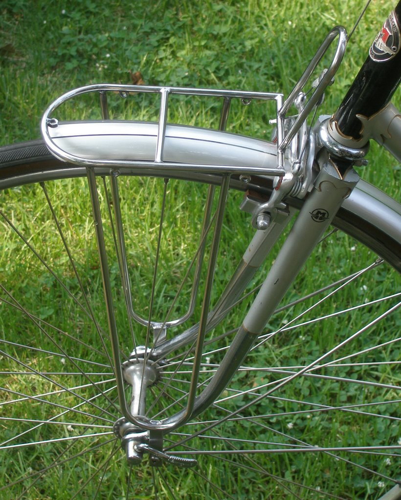 the velo orange blog we have front racks. Black Bedroom Furniture Sets. Home Design Ideas