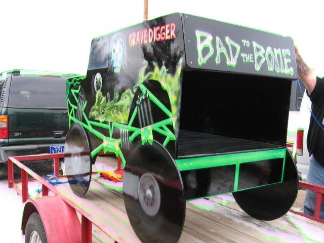 BAD TO THE BONE. GRAVE DIGGER BED Images - Frompo