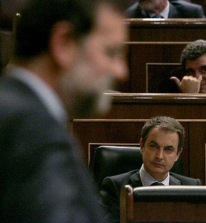 EL acuerdo entre Gobierno y oposición está como la foto: borroso