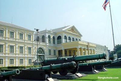Guns at Defence Minister, Bangkok