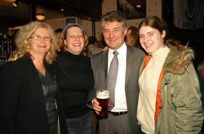 Tony Lloyd enjoys a pint with Mancunian students