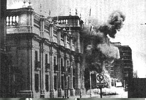 Pinochet bombs the Presidential Palace