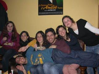 De izquierda a derecha: La belga, María, Ana, Marco, Mila y María