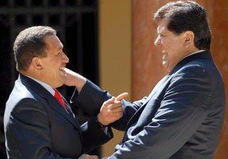 Hugo Chavez y Alan Garcia