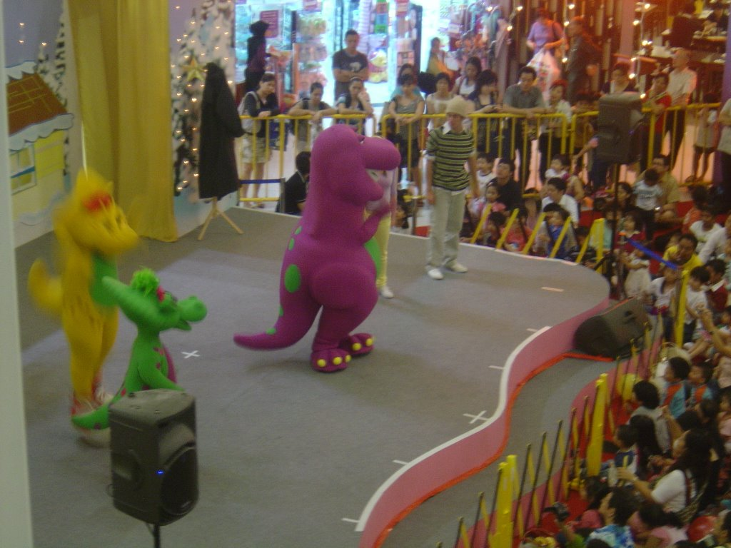 MARVIC ONG: Barney Show at United Square