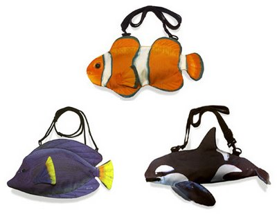 Shoulder bags with fins