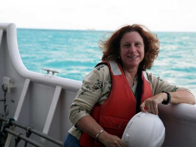 Leslie Harris aboard the research vessel Oscar Elton Sette, mid Pacific, October 2006