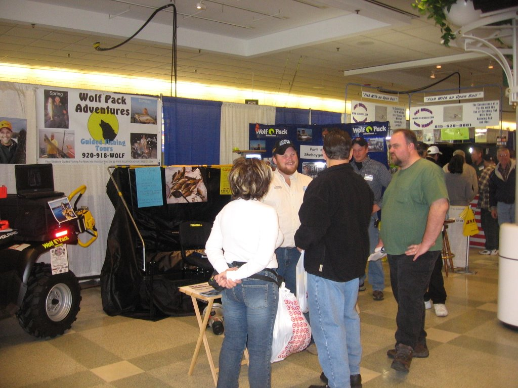 Ice fishing lac vieux desert and north west chicago sports for Chicago fishing show