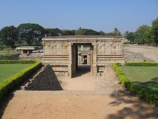 Prasanna Virupaksha (Underground Siva) Temple