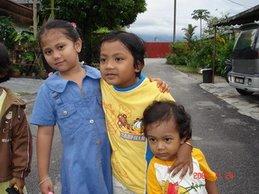 Aida (anak Masilah), Eisya dan Sarah