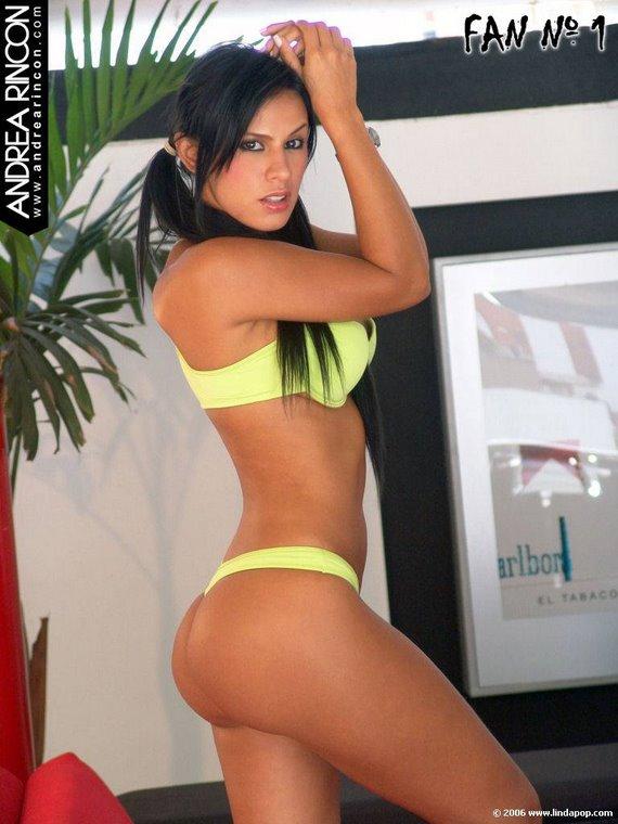 Andrea 27
