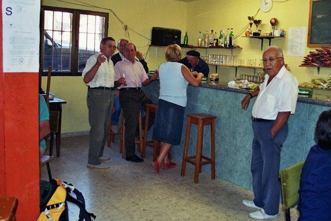 woensdag 08: Alcuneza: bar - gentes