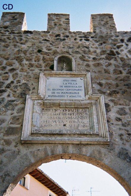 vrijdag 07: Brihuega: Arco de la Cardena - 1710
