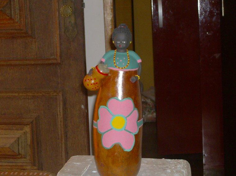 Boneca de Cabaça com flor
