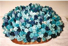 As minhas flores feitas em Pasta de moldar Darwi e pintadas a tinta de vitral