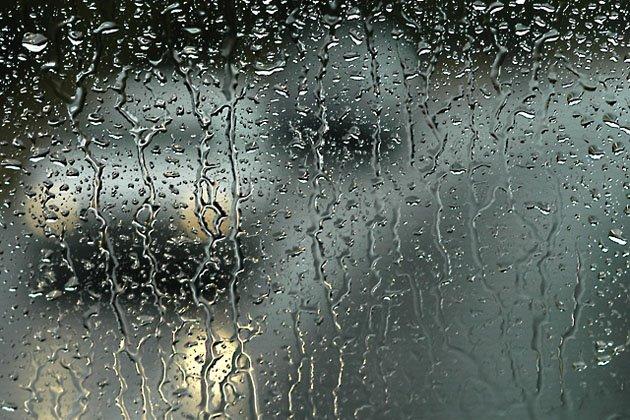 Lluvia entre los cristales de mi corazón
