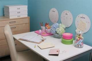 simple home desk arrangement