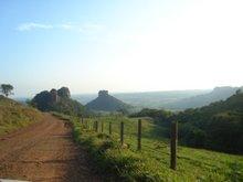 * Vista do Cuzcuzeiro + Morro do Camelo em Analândia-SP, por Bia Pontes