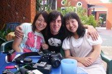 Patrik con Sungmí y Sunghwa