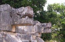 Cabezas de piedra del jaguar
