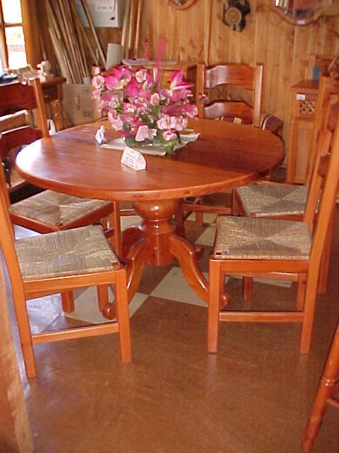 Muebles nawentu for Comedor redondo de madera de 6 sillas