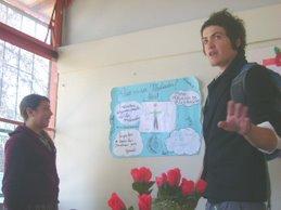 Alumnos Mediadores exponiendo su trabajo