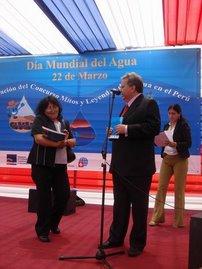 Ministro presenta el libro