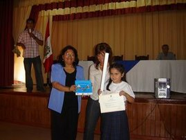PREMIO A ESCOLAR GIANELLA VILLEGAS EN MUNICIPALIDAD DE LA PUNTA, CALLAO