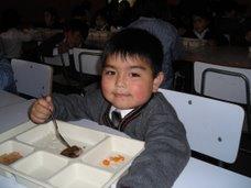 Juanito almorzando