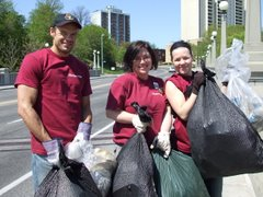 The Beechwood Chiropractic Centre found tons of trash along the Rideau