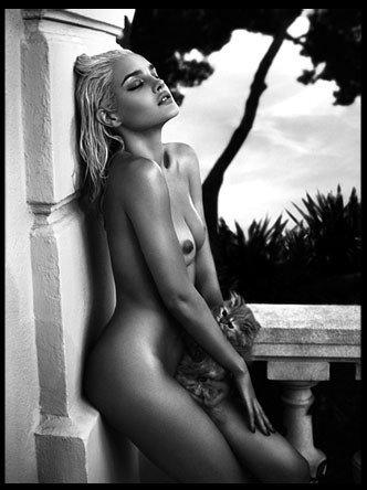 12(nude)