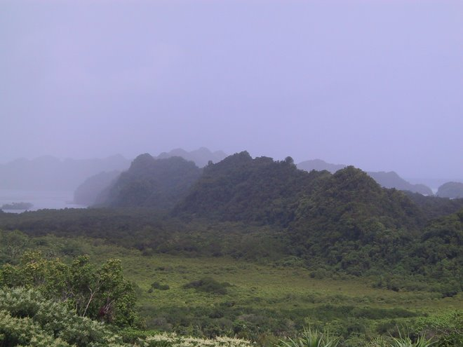 Rain on Rock Islands