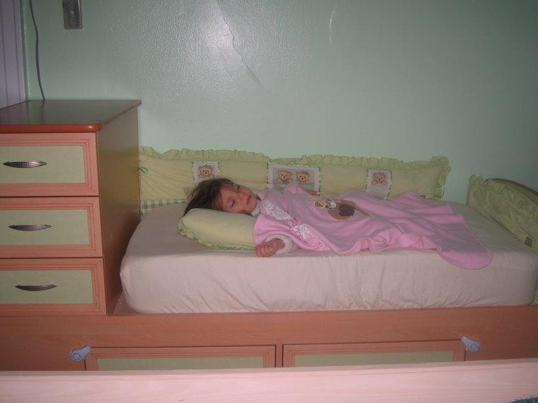 eyvah uyurken yakalanmisim flaslara !