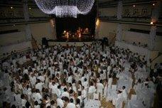 """""""Festa Branca"""" anima Verão no Coliseu com a Banda.Com"""