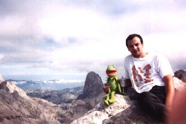 Gusti en la cima del Tesorero, en Picos de Europa. Octubre 2003
