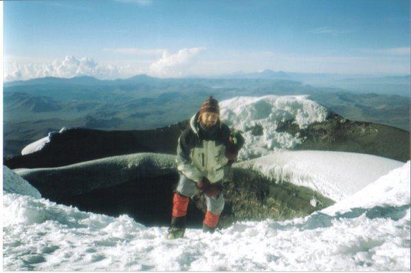 MiniGusti y yo en la cima del Cotopaxi (5897m) ECUADOR. Septiembre 2005
