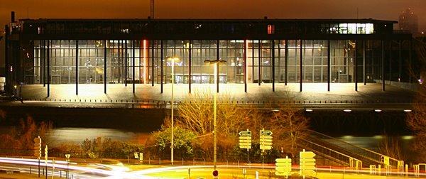 Palais de justice la nuit