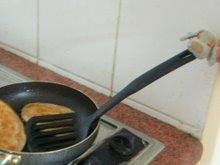 El bebé cocinando