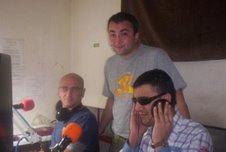 durante una diretta- Paolo, Vinc e Jo Rossetti in regia