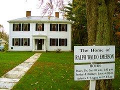 Fotografía actual de la entrada a la casa de Emerson, en el pueblo de Concord
