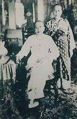 >>Sultan Abdul Hamid dan Mak Cik Manjalara