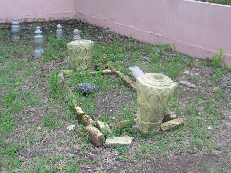 >>Makam Khun Waran Wangsa, 1548