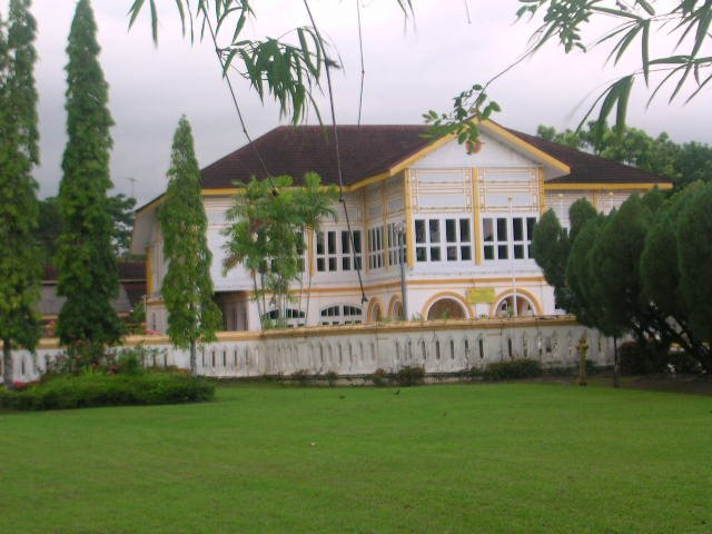 Istana Kuning