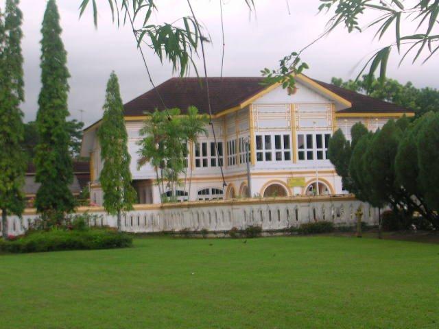 Istana Kuning