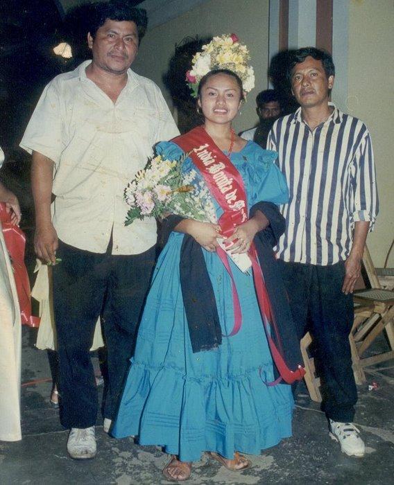 India Bonita 2000-2001